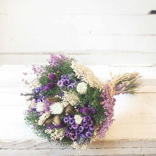 ramo con flores secas