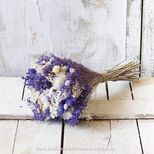 Purple. Ramo nupcial de flores secas